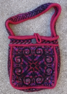 Sipalu bag knitted and felted by Deborah Cooke