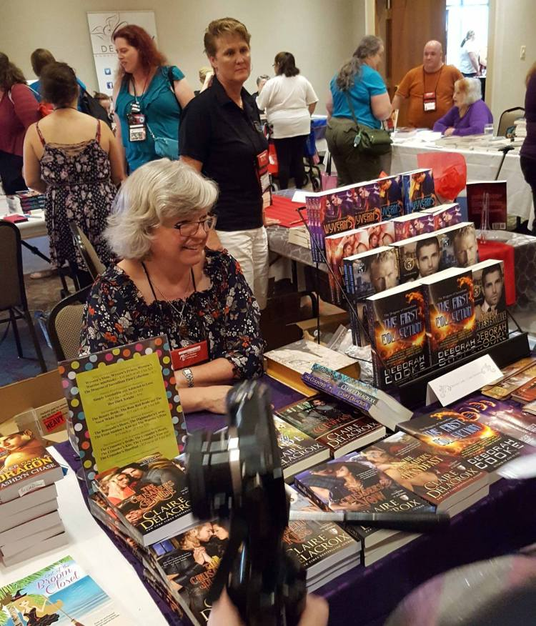 Deborah Cooke (aka Claire Delacroix) at the booksigning at RTC2017