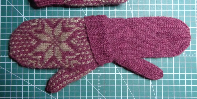 Lined mitten in LettLopi, knit by Deborah Cooke