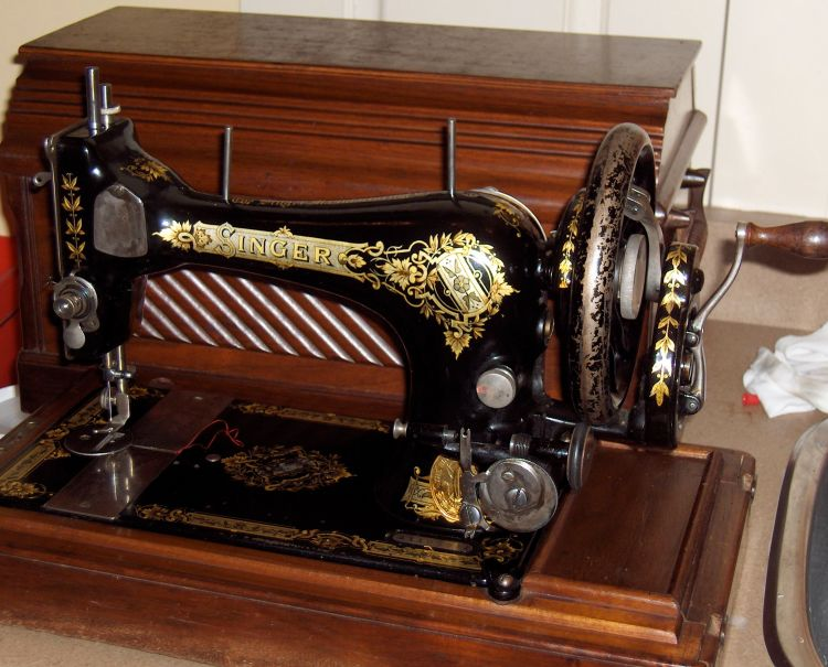 Singer handcrank sewing machine